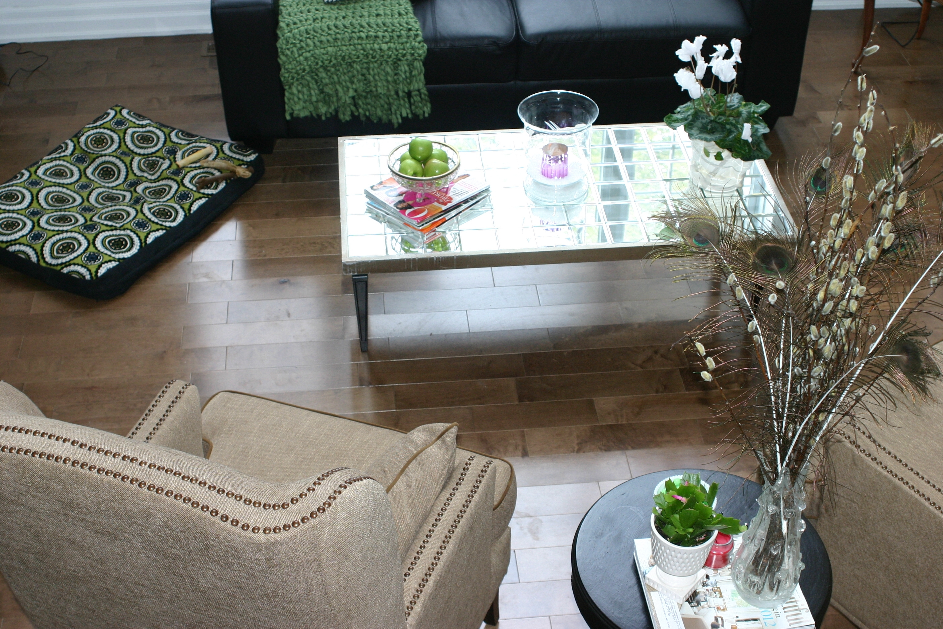 Image of: Mirrored Coffee Table Cheap