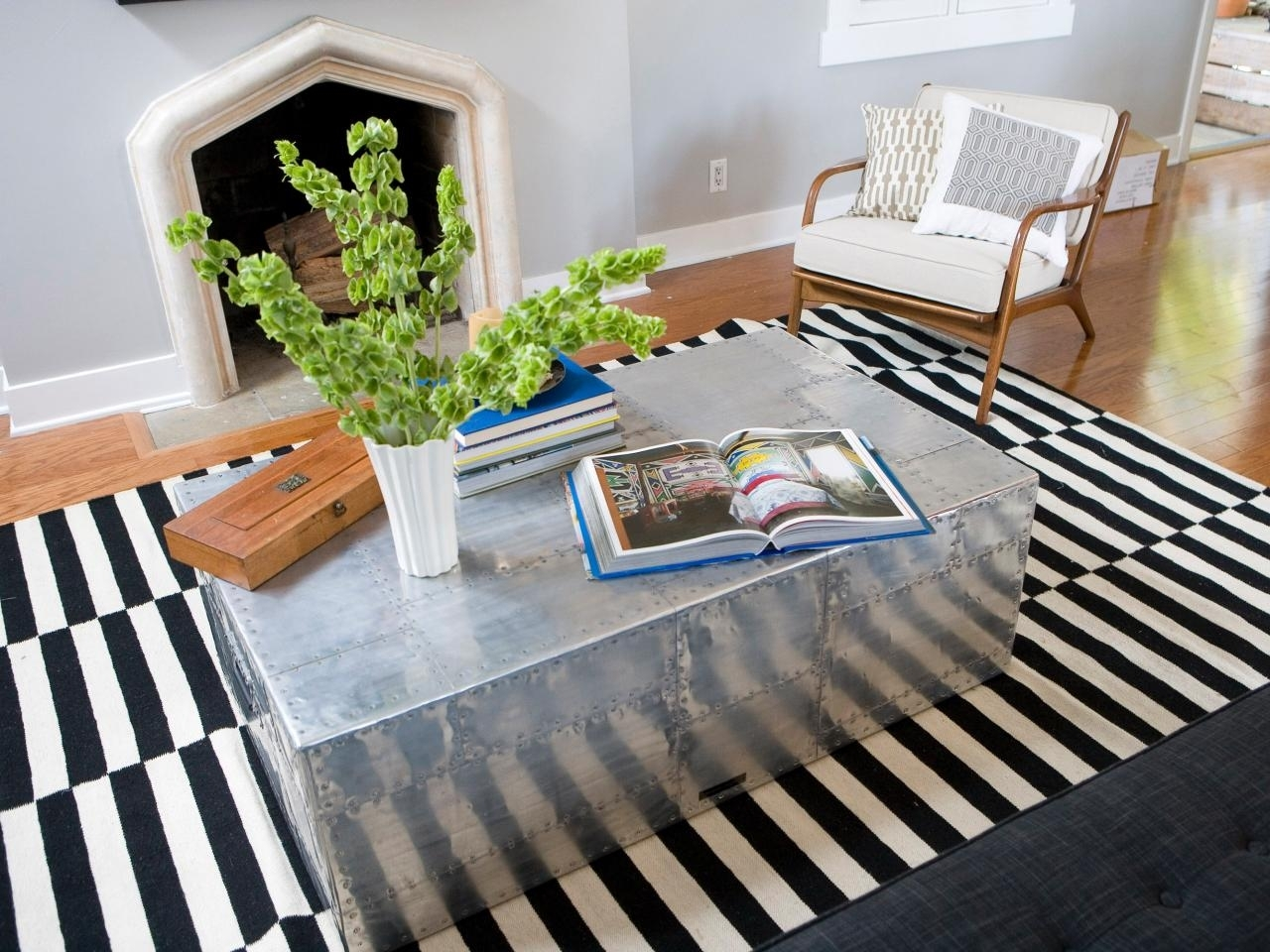Image of: Mirrored Coffee Table With Drawers