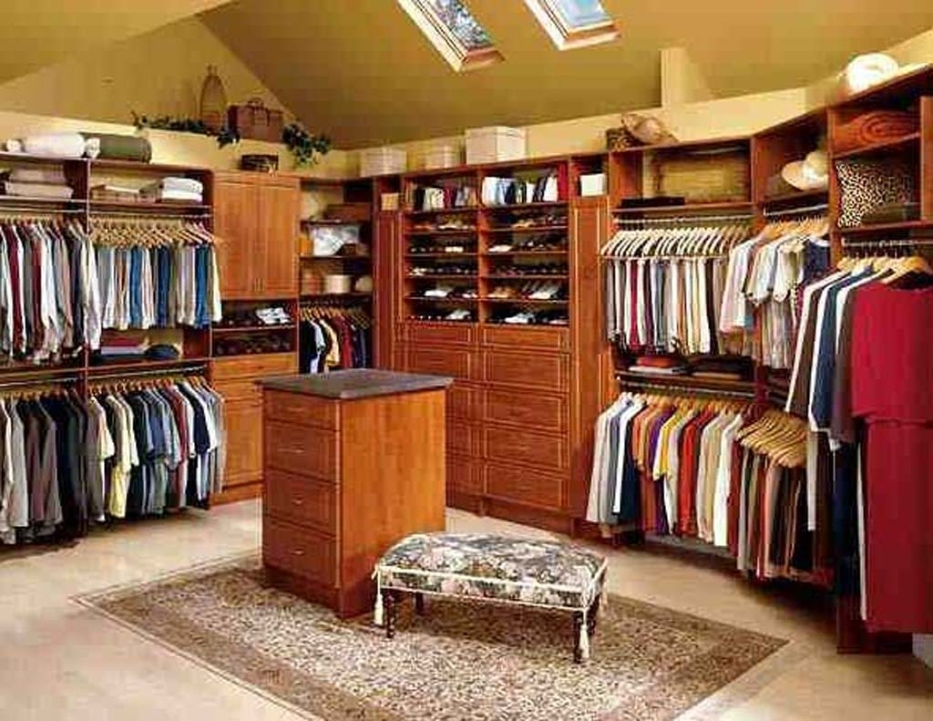 Image of: Portable Wood Closet