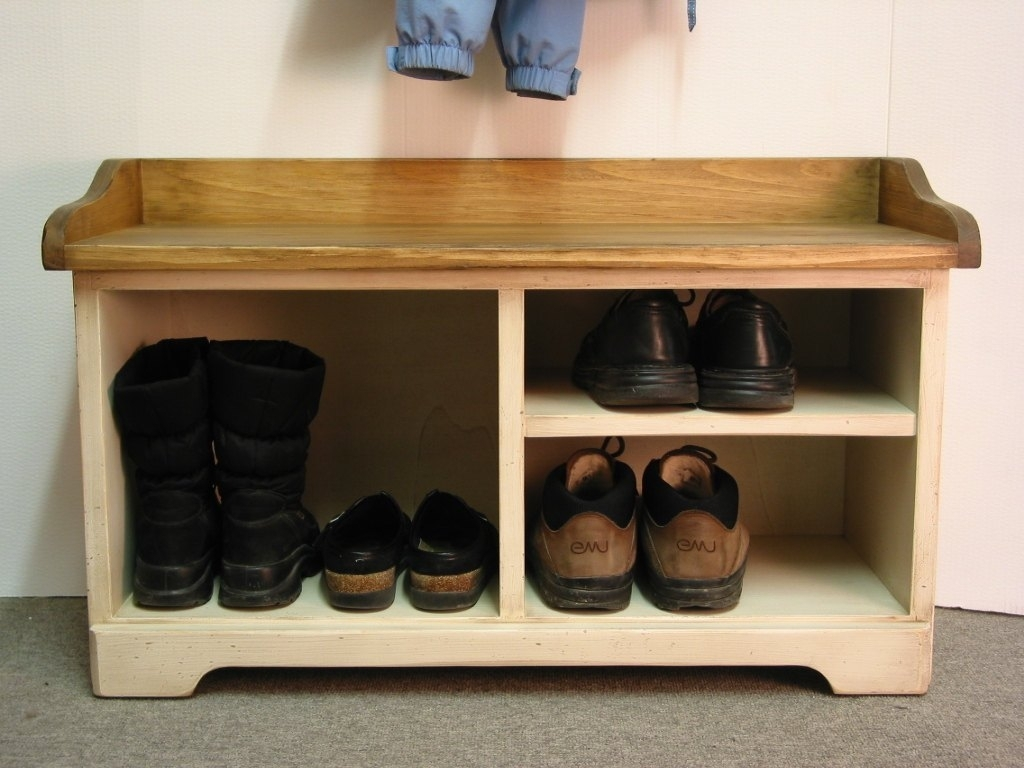 Picture of: Rotating Shoe Rack Amazon