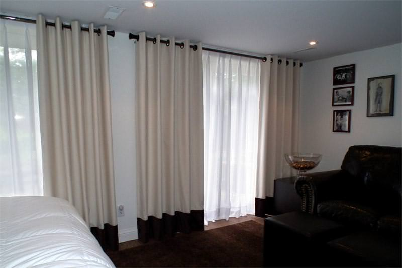 Image of: Curtain Rods For Windows Close To Wall
