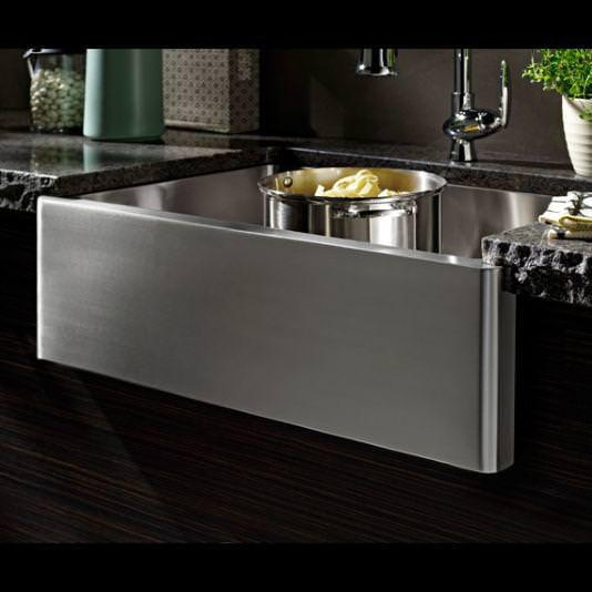 Picture of: Farmhouse Sink Vs Stainless Steel