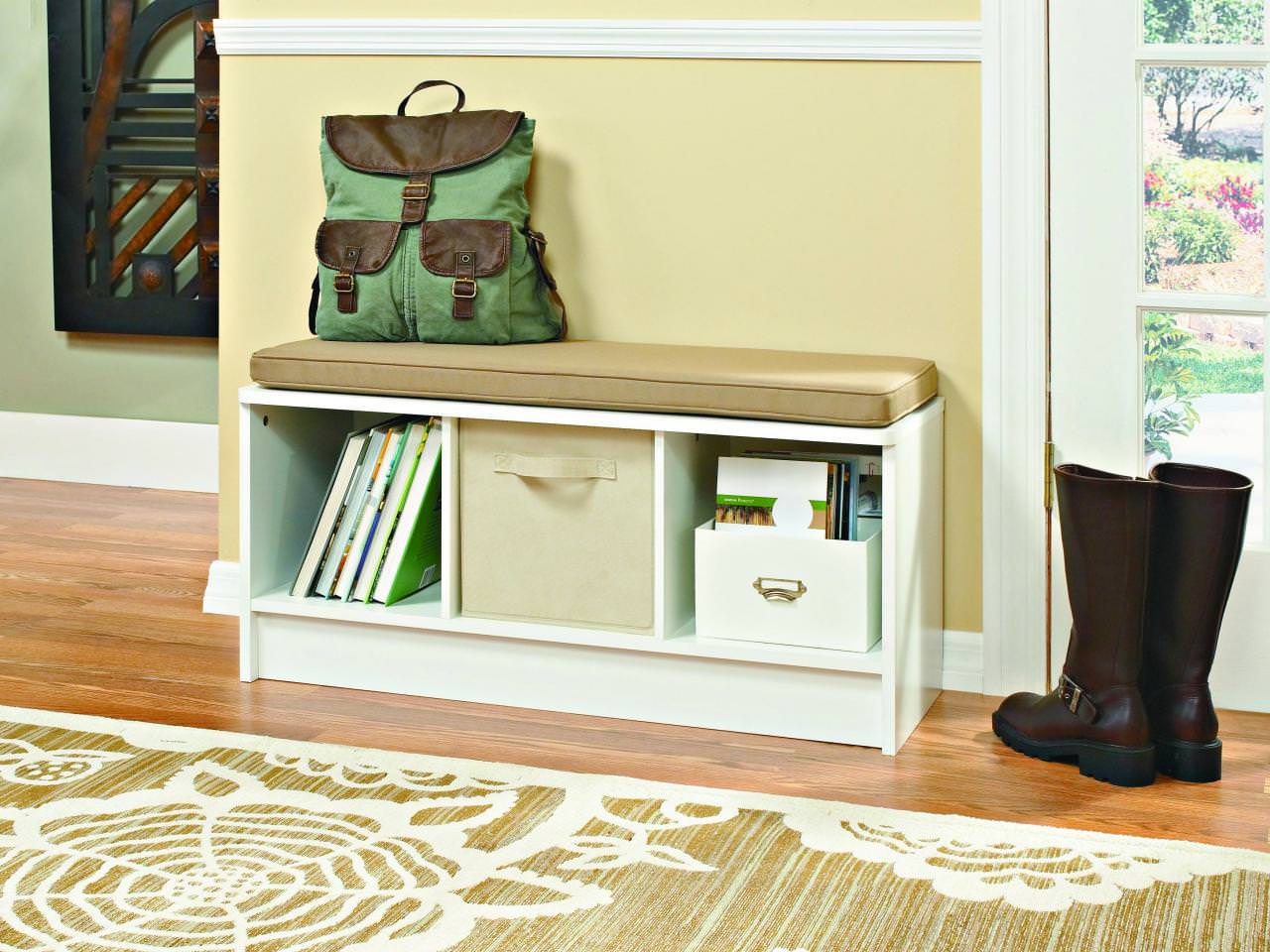 Image of: Awesome Mudroom Bench Ideas