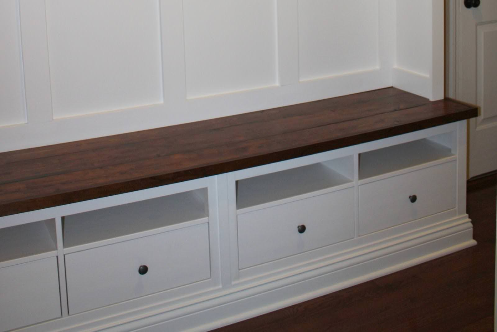 Image of: Mudroom Bench With Hooks