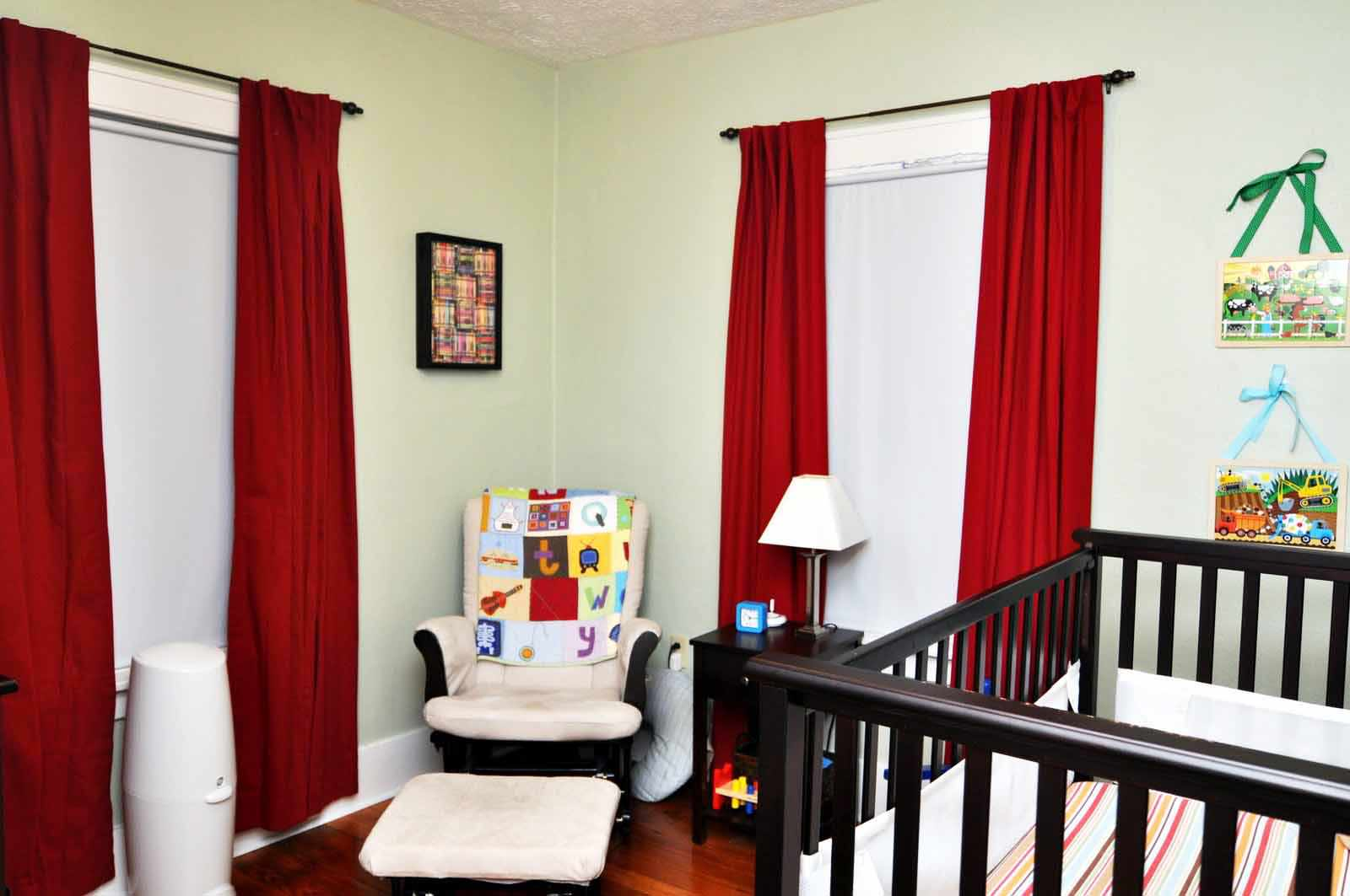 Image of: Nursery Curtains With Blackout Lining