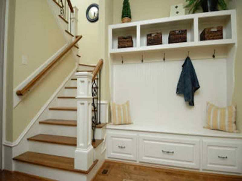 Image of: Small Entryway Bench