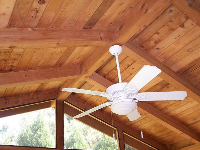 Image of: Tongue And Groove Ceiling Pine