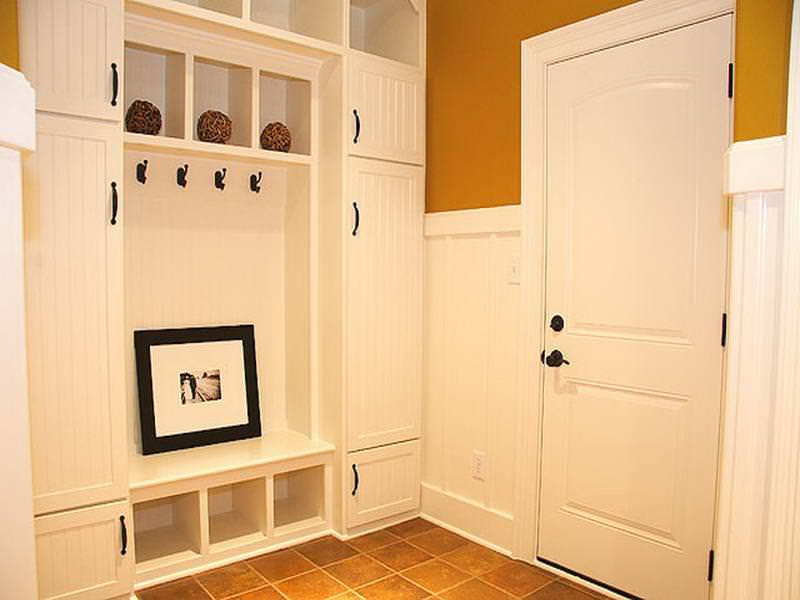 Image of: White Series Mudroom Storage Bench Ideas