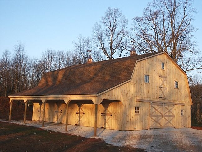 Image of: Big Gambrel Roof Garage Kits