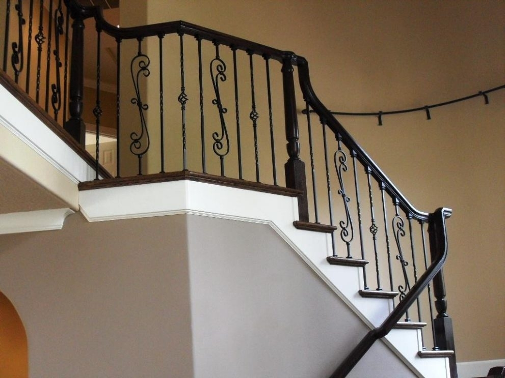 Image of: Iron Balusters Lowes