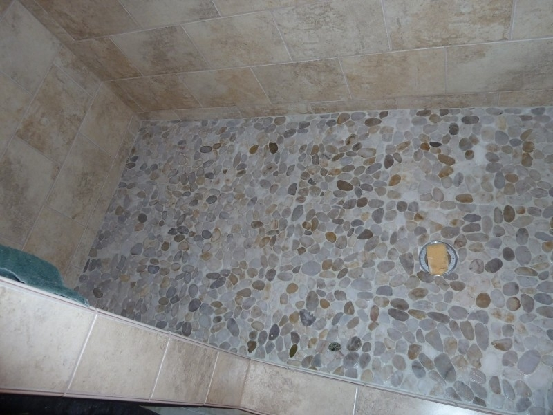 Image of: Pebble Tile Lowes