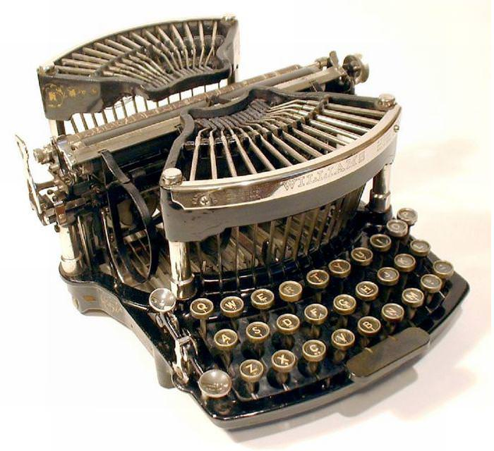 Picture of: Antique Royal Typewriter