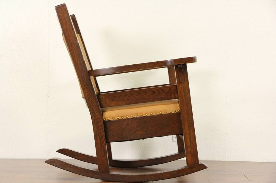 Picture of: Best Antique Storytime Rocker On Budget