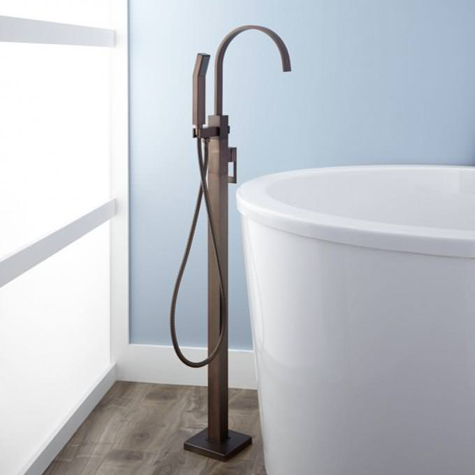 Image of: Freestanding Tub Faucet
