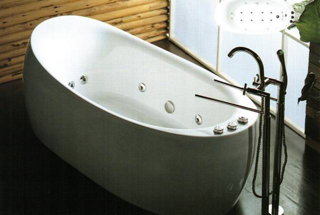 Image of: Freestanding Tub With Jets