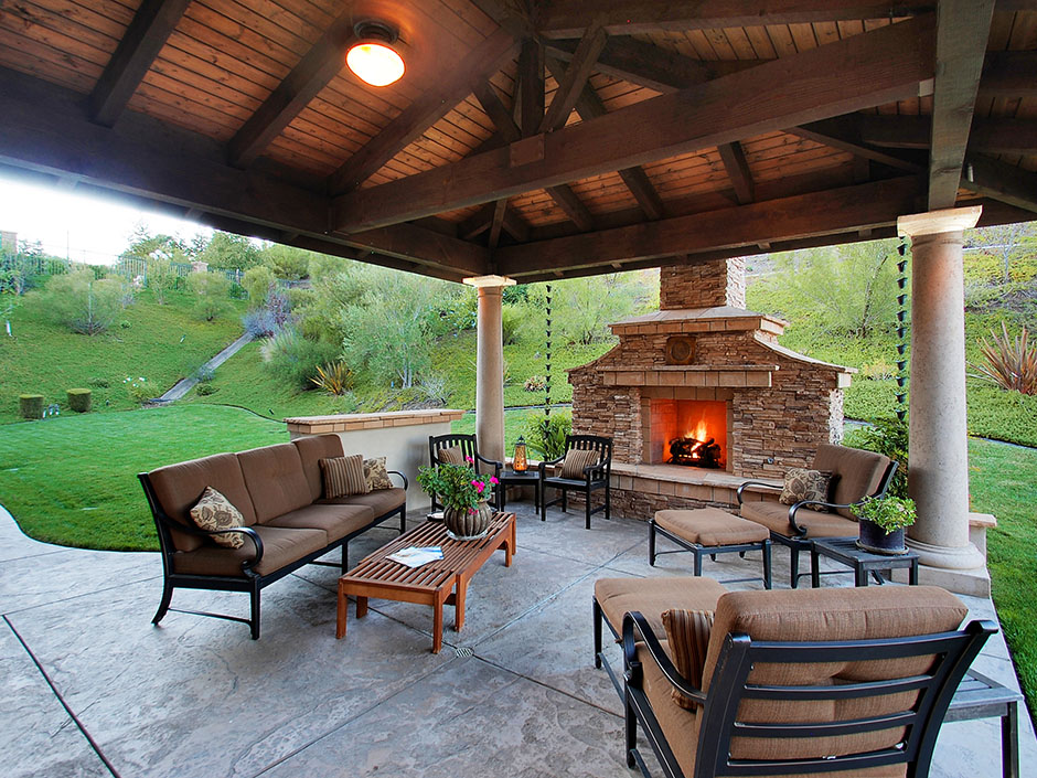 Image of: Indoor Outdoor Wood Burning Fireplace
