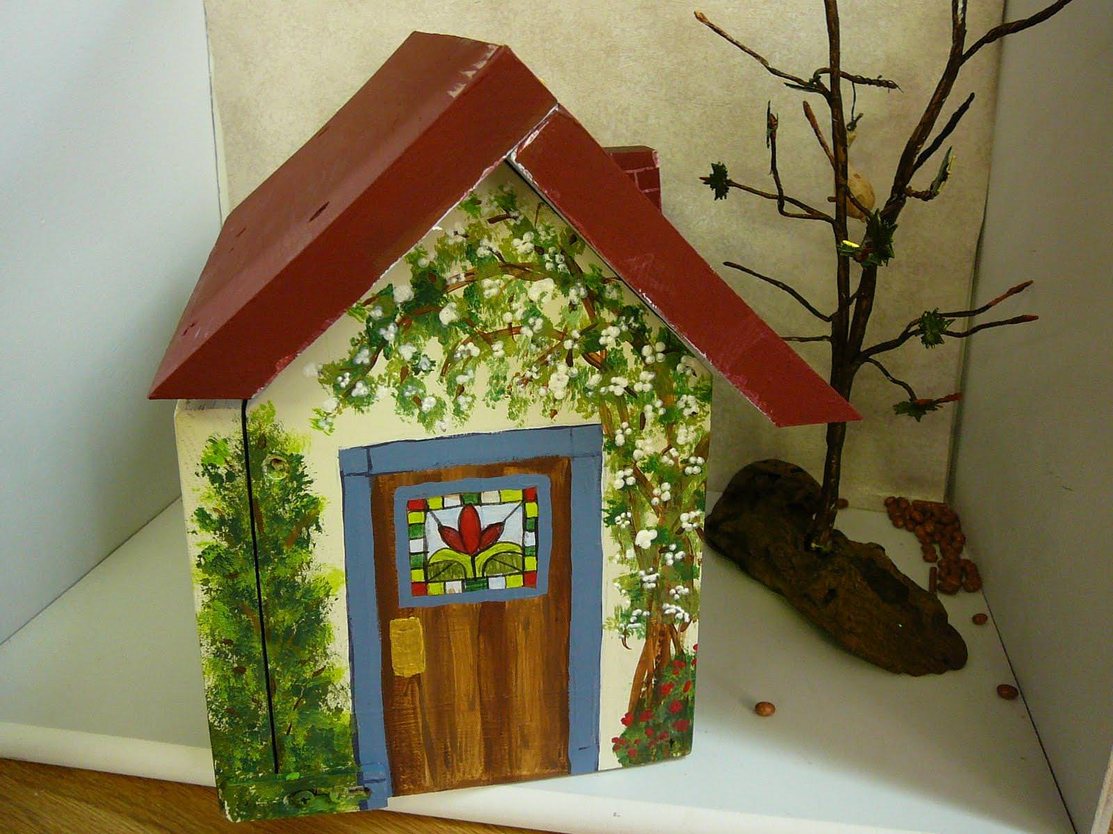 Image of: Painted Birdhouses