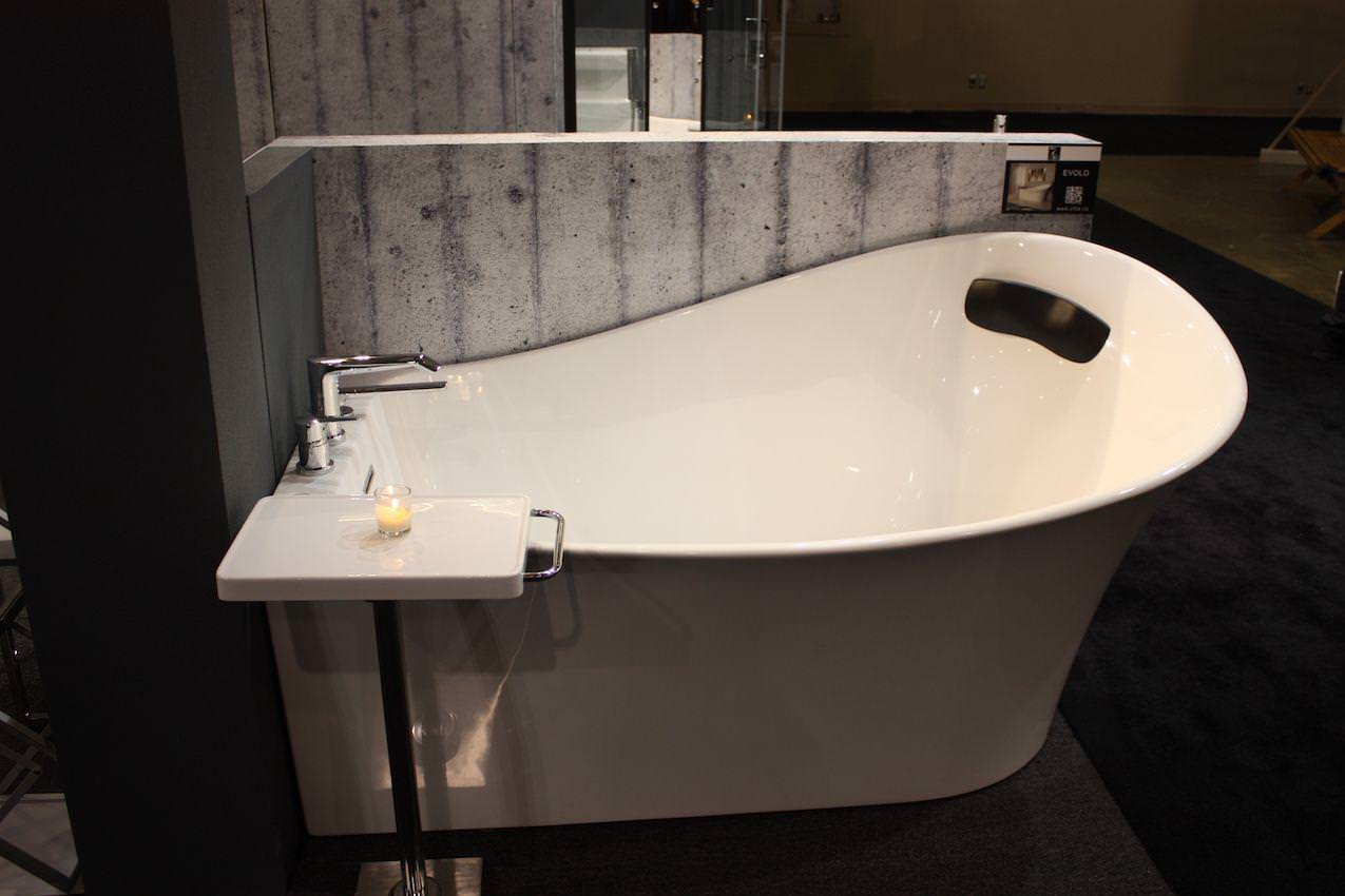 Image of: Small Freestanding Tub