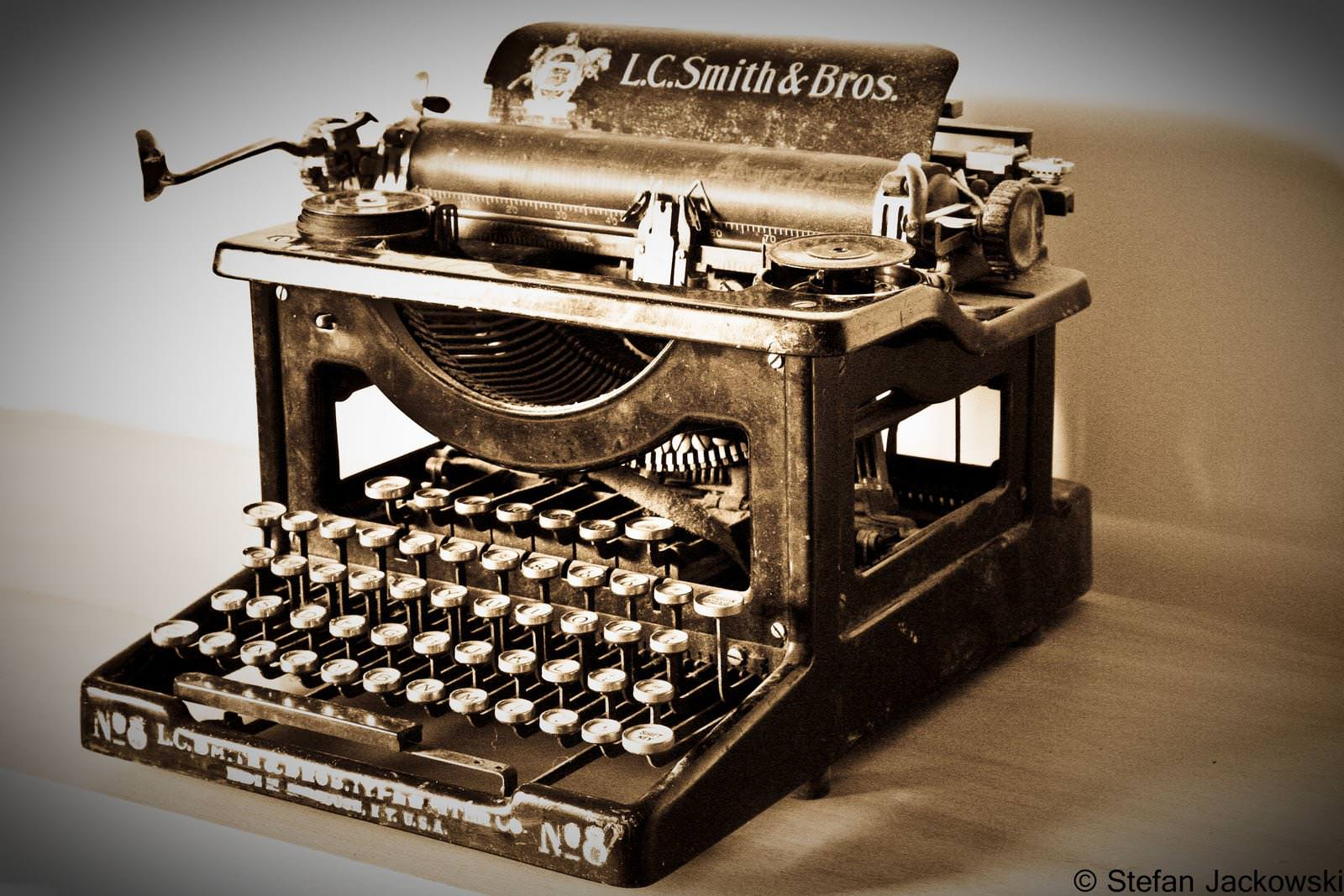Picture of: Typewriter For Sale