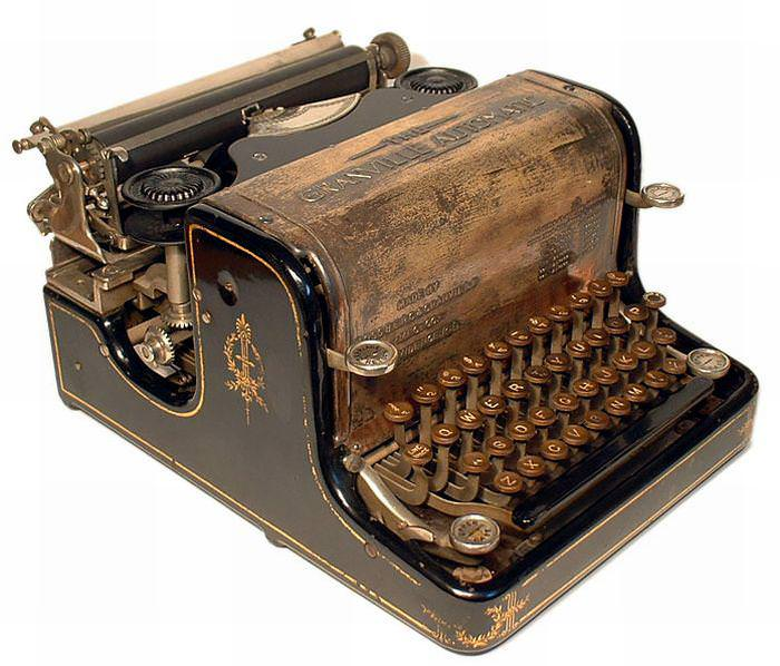 Picture of: Working Typewriter For Sale