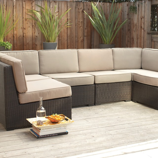 Picture of: Modern modular sectional sofa