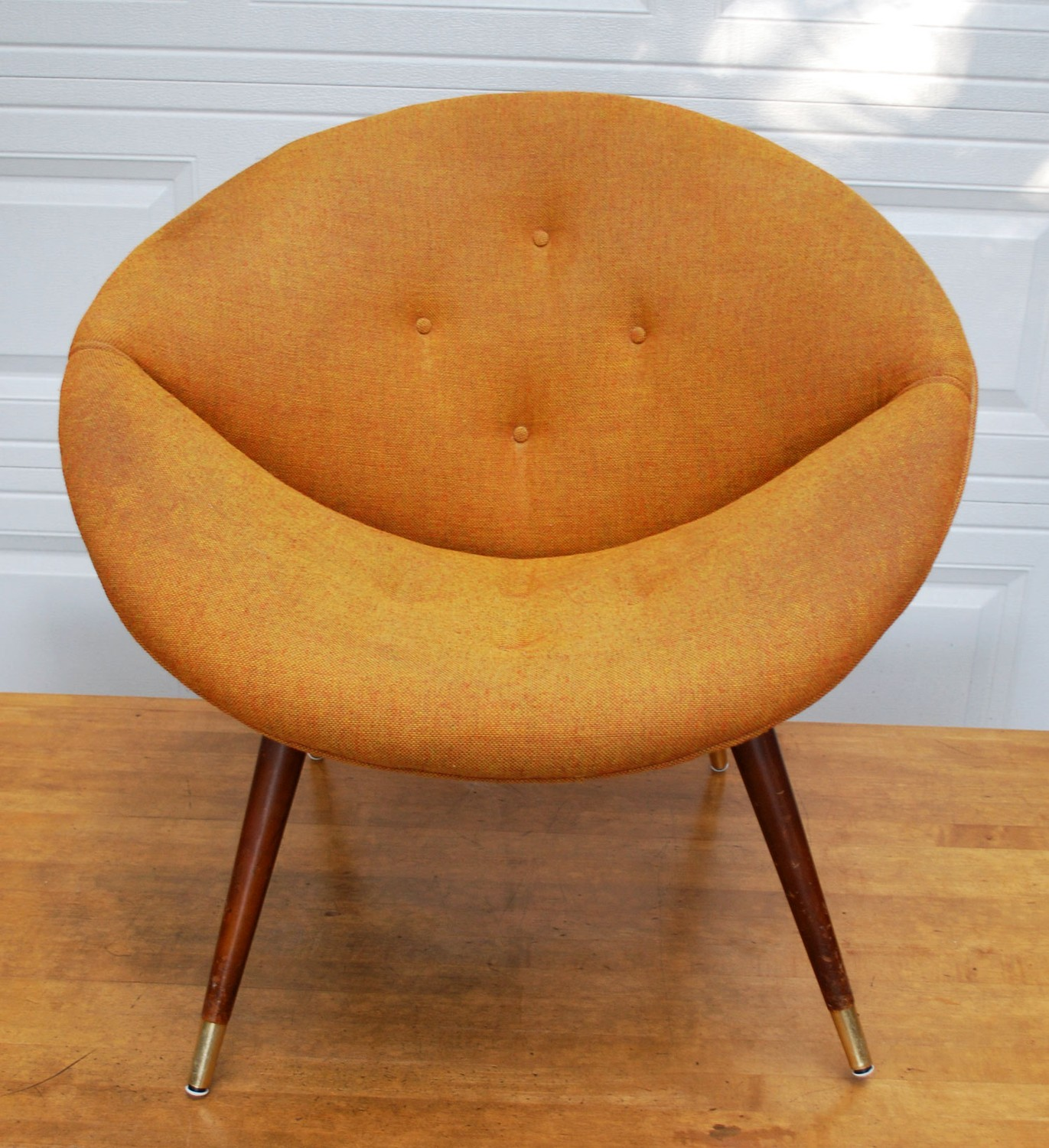 Picture of: great saucer chair