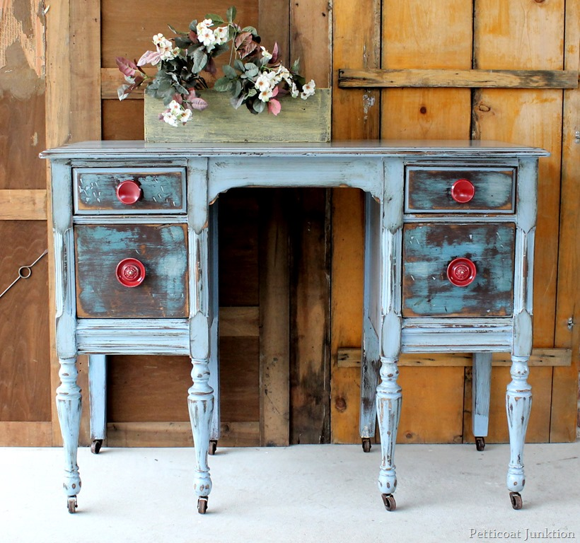 Picture of: light bule distressed dresser