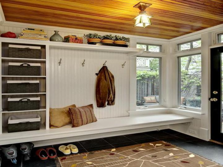 Image of: New rustic mudroom bench