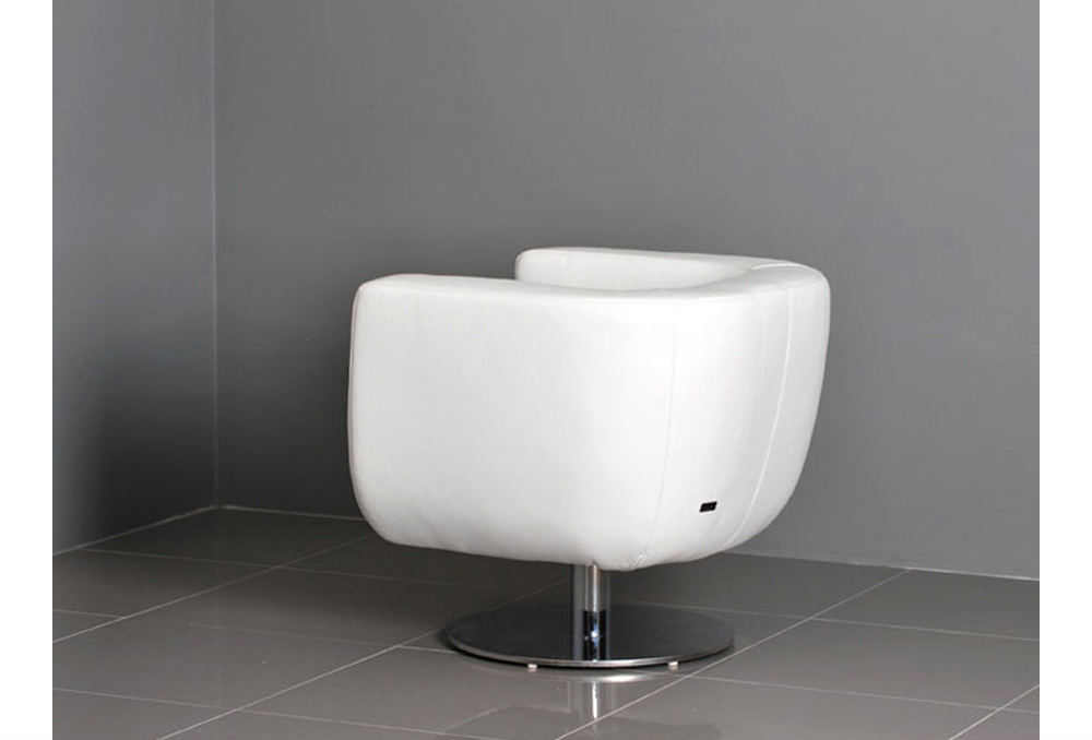 Picture of: tub chair in white color