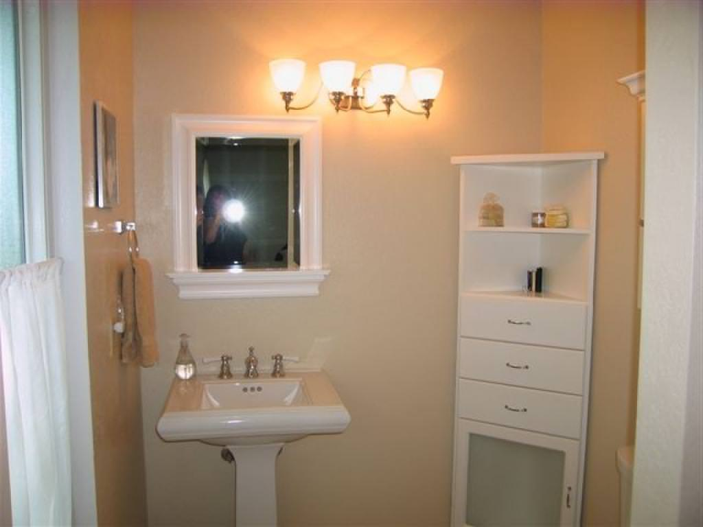 Image of: Bathroom Corner Storage Cabinet