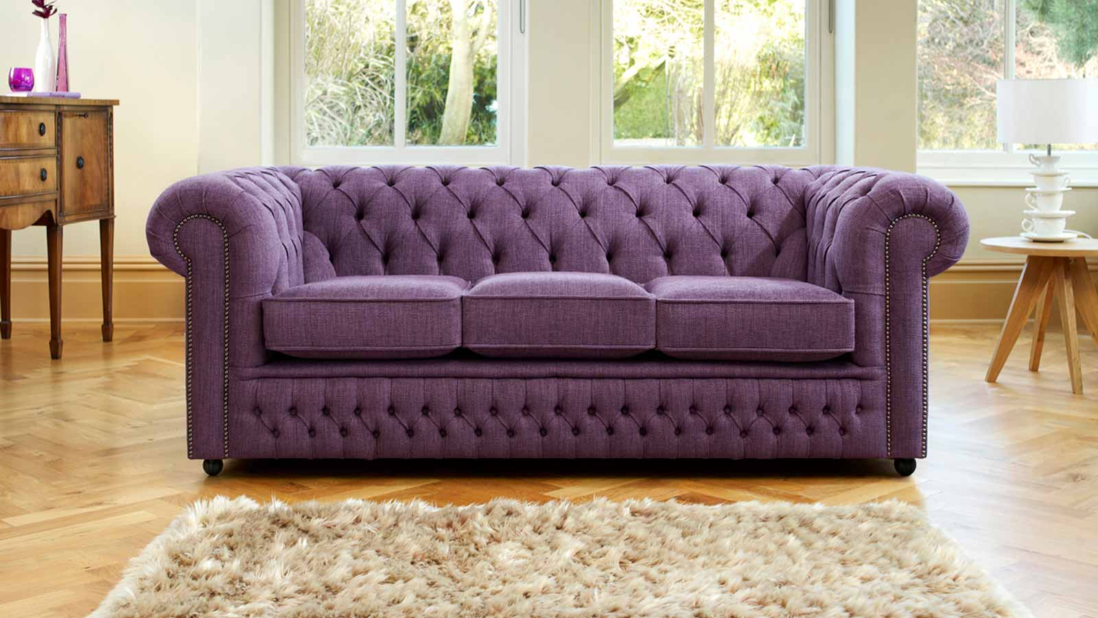 Image of: British Upholstered Sofa