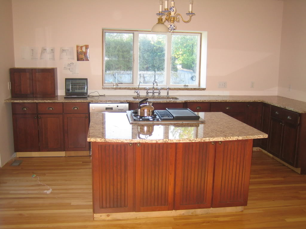 Image of: Cherry Cabinets Quartz