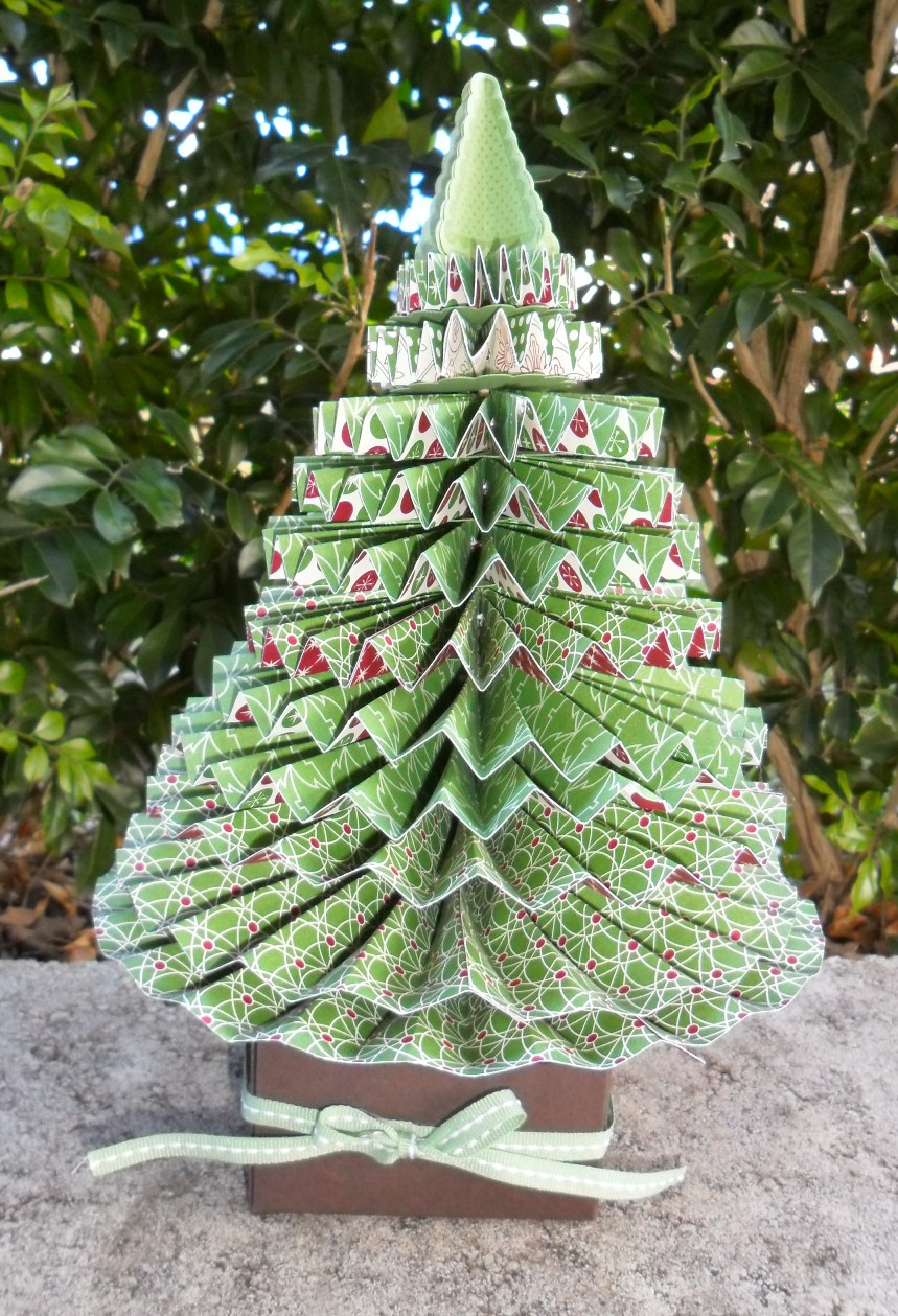Picture of: Creative Tabletop Christmas Trees