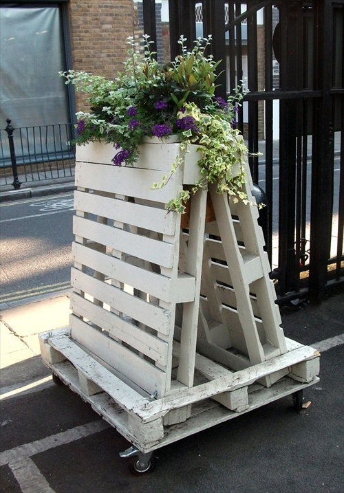 Image of: Creative pallet furniture ideas