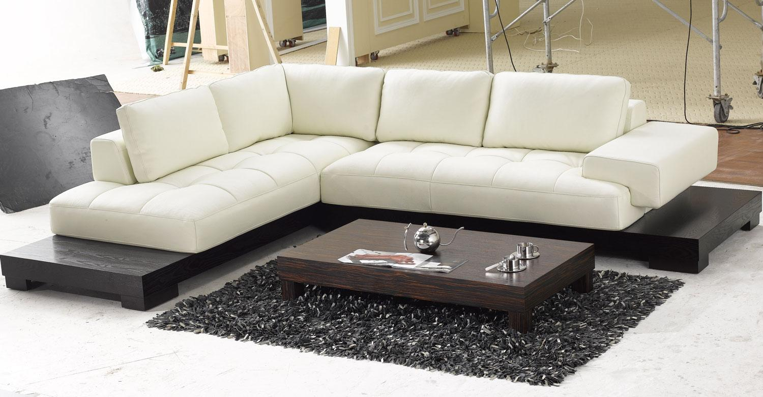 Image of: Modern Beige Leather Sectional Sofa