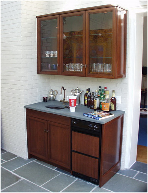 Picture of: Photos of the Wet Bar Cabinets