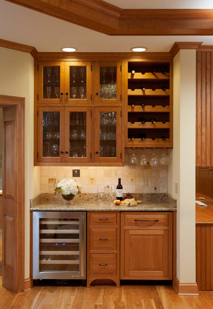 Picture of: Small Wet Bar Cabinets