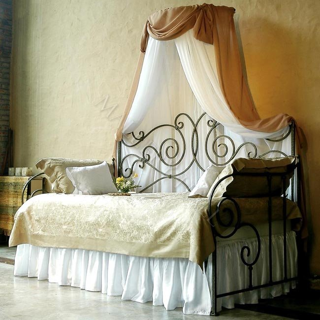 Top Queen Daybed