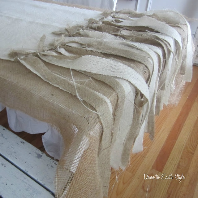 Picture of: Trendy Burlap Tablecloth