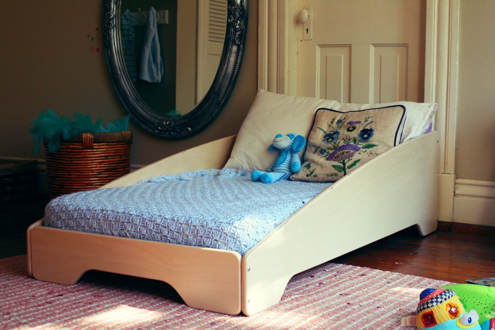 Image of: Unique Toddler Beds Decoration