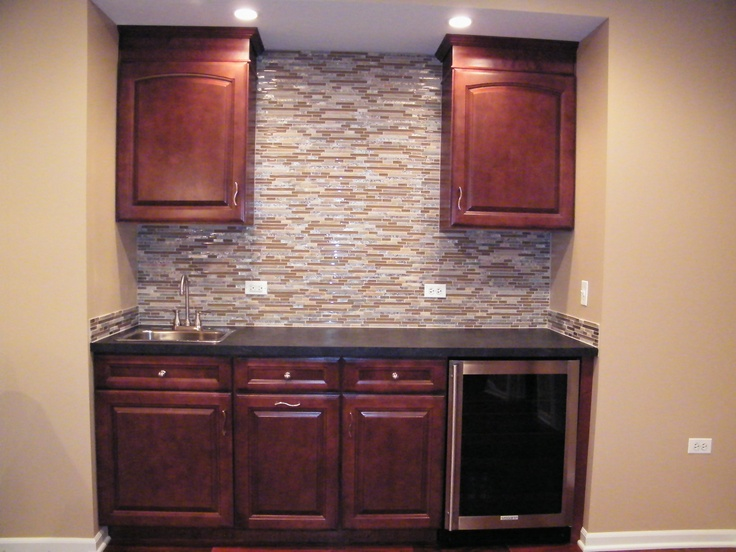 Picture of: Wet Bar Cabinets Pictures