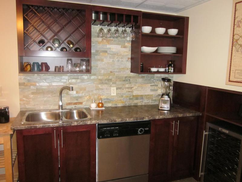 Picture of: Wood Wet Bar Cabinets