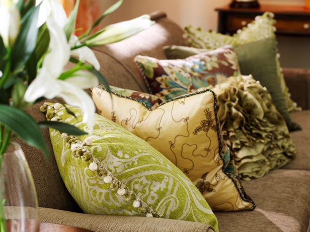 Picture of: best decorative pillows for couch