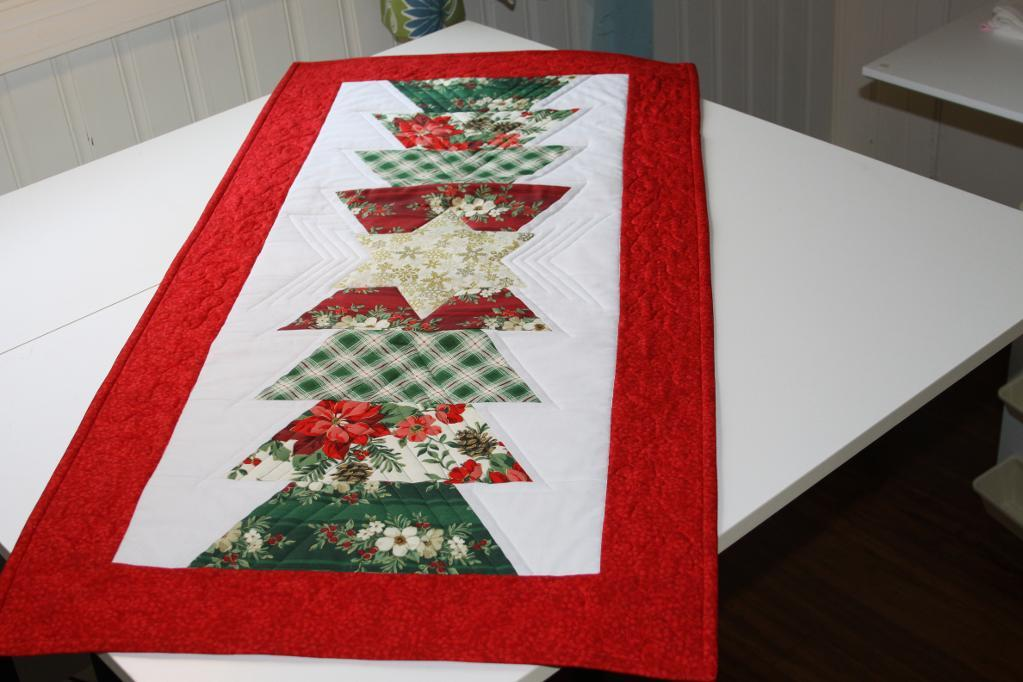 Image of: christmas table runner