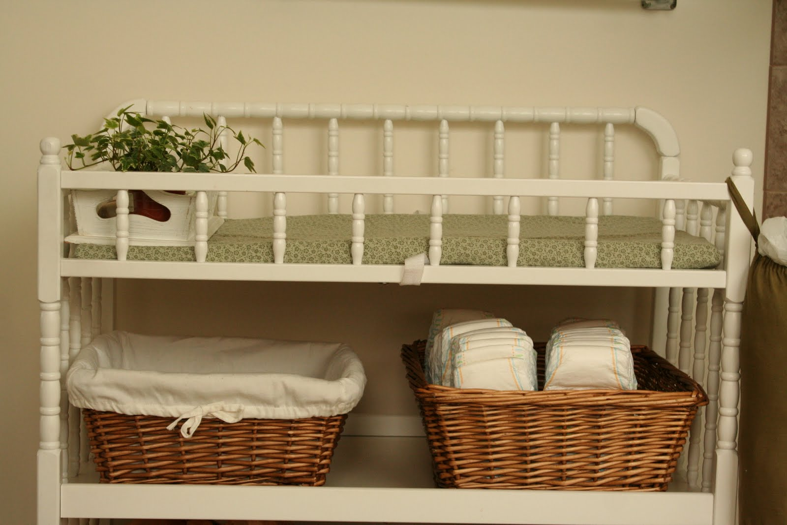 Image of: corner changing table design simple