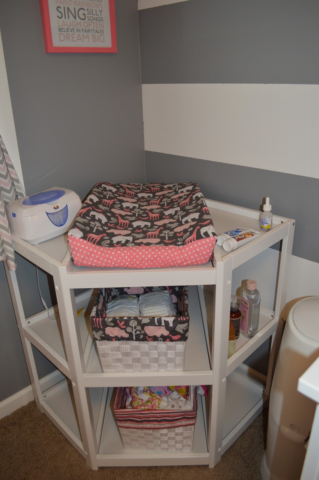 Image of: corner changing table for baby
