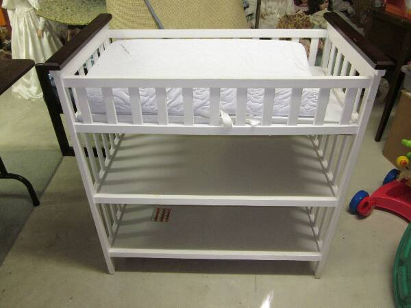 Image of: corner changing table small design