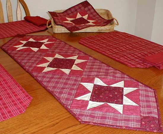 Picture of: elegant christmas table runner