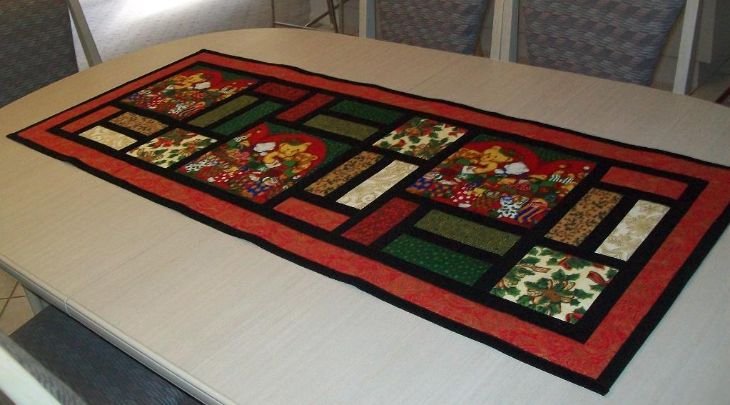 Image of: free christmas table runner