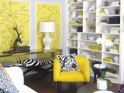 Image of: Big yellow accent chair ideas
